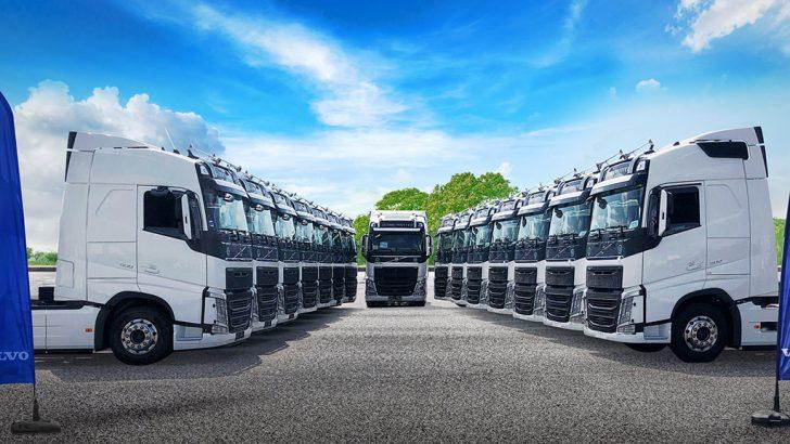 Flay Lojistik'e 15 adet Volvo FH500 Turbo Compound kamyon teslim edildi