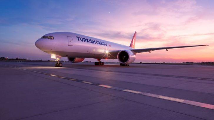Turkish Cargo, Çin'de üretilen Kovid-19 aşılarını Türkiye'ye taşıdı