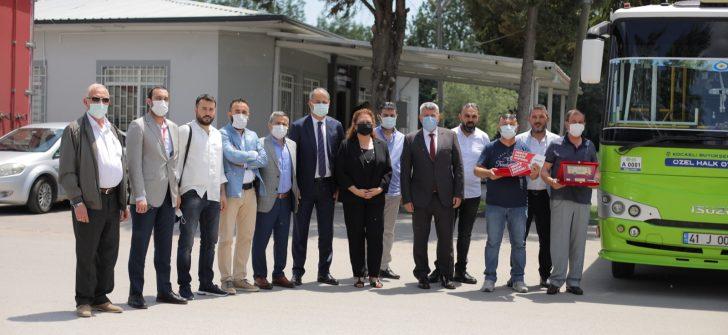 Anadolu Isuzu'dan 1 Milyon kilometreyi deviren şoförlere ödül