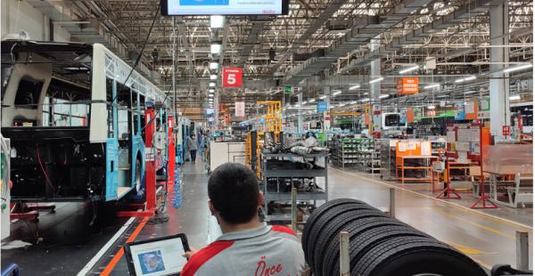 """Anadolu Isuzu, üretimdeki gücünü ve kalitesini """"Akıllı Fabrika Uygulaması"""" ile geleceğe taşıyor"""