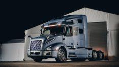 Volvo ve Auro ortak geliştirdikleri çekiciyi tanıttı